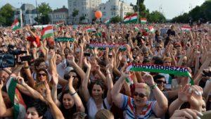 Így ünnepelték tömegek az Európa-bajnokság után a Hősök terén tartott ünnepélyes fogadtatáson
